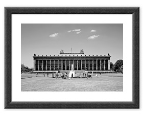 Altes Museum Berlin (2012) BW Rahmen thumbnail