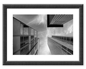 Three Skyscrapers (2013) BW Rahmen thumbnail